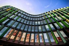 Cologne Oval Offices (Der Hamlet) Tags: cologne köln ovaloffice architektensauerbruchhutton geschwungen glas beton stahl farben bögen bürogebäude strukturen fenster rheinufer architektur
