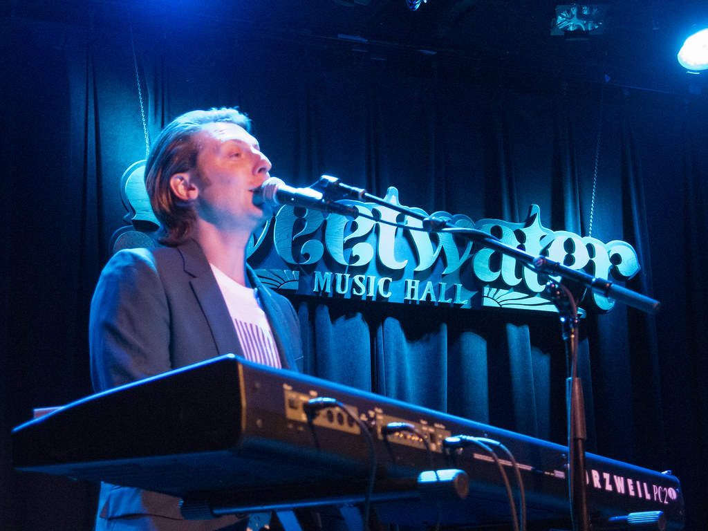 Eric Hutchinson images