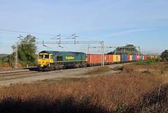 66551 Gordons Lodge (CD Sansome) Tags: wcml west coast main line gordons lodge ashton train trains freightliner shed 66 4l52 garston flt london gateway 66551