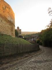 Cobbled path, outer walls of Château de Beynac, Beynac-et-Cazenac, France (Paul McClure DC) Tags: beynacetcazenac périgord dordogne france nouvelleaquitaine sept2019 castle château historic architecture scenery