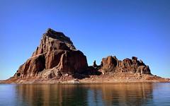 Lake Powell, Utah (__ PeterCH51 __) Tags: lakepowell utah lake desert scenery landscape landschaft desertscenery desertlandscape utahscenery usa america amerika mountain rockformations redrocks cliffs iphone peterch51