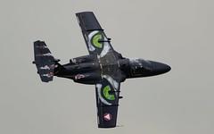 The Eyes of the Tiger - Saab 105OE @ LOXZ (stecker.rene) Tags: saab105oe saab 105oe saab105 sk60 gd14 eyes tiger austrianairforce austria bundesheer österreich flypast aerialdisplay flyingdisplay airshow flying military trainer jet flight vfr afb airbase fliegerhorst hinterstoisser loxz zeltweg spielberg styria steiermark green paint art airpower airpower2019 airpower19 canon eos7d markii canonef40056l ef400mmf56l ef400mm 400mm knifeedge 14x tigersquadron tigermeet natotigers