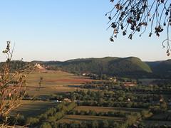 Dordogne valley, view to Château de Castelnaud-la-Chapelle, Beynac-et-Cazenac, France (Paul McClure DC) Tags: beynacetcazenac périgord dordogne france nouvelleaquitaine sept2019 castle château historic architecture scenery