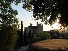 Château de Beynac from panorama path, Beynac-et-Cazenac, France (Paul McClure DC) Tags: beynacetcazenac périgord dordogne france nouvelleaquitaine sept2019 castle château historic architecture scenery