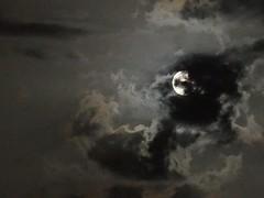 Moon and clouds (pepa_carbassa) Tags: moon luna lune lluna clouds nuages nubes núvols