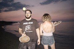 (Marco Antonecchia) Tags: themelvins beach contax contaxt2 kodak 35mm analogphotography analoguepeople filmphotography filmisnotdead compactfilmcamera analog sunset racchettoni melvinstshirt