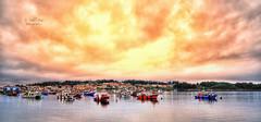 (238/19) En la isla de Arosa (Pablo Arias) Tags: pabloarias photoshop nx2 cielo nubes arquitectura paisaje barcas procesado mar agua ría isladearosa pontevedra galicia