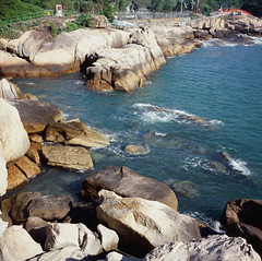 Cheung Chau Outside Cheung Po Tsai Cave (Wen_Wu) Tags: seagull tlr 6x6 slide film rvp100