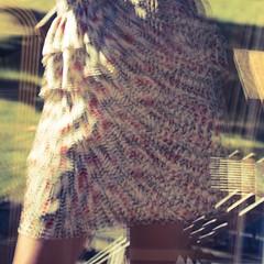 L'été indien (Muse poétique) Tags: autoportrait fenêtre window vitre reflets reflections robe dress été chaleur carré square