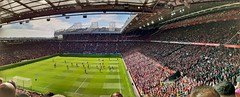 E336 (CiccioNutella) Tags: manchester manchesterunited leicester premierleague football sport stadium oldtrafford supporters passion panorama smartphone samsung galaxya40 stitch eaststand section e336 stand red blue