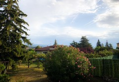 Nubes, sol, y sirimiri hoy a primera hora (eitb.eus) Tags: eitbcom 16599 g154459 tiemponaturaleza tiempon2019 nafarroa ayegui josemariavega