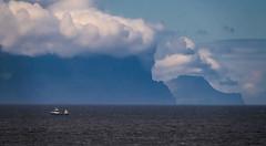 Big head (Zoom58.9) Tags: sky clouds mountain rocks ocean sea ship fishingship seascape nature outside infinitewidhts europe färöer islands himmel wolken berge gestein meer schiff fischereischiff seelandschaft natur draussen weite unendlicheweite sonydscrx10m4
