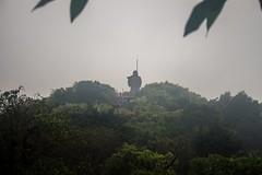 Se asoma (rraass70) Tags: canon d700 monumentos paisajes ninbinh deltadelriorojo vietnam