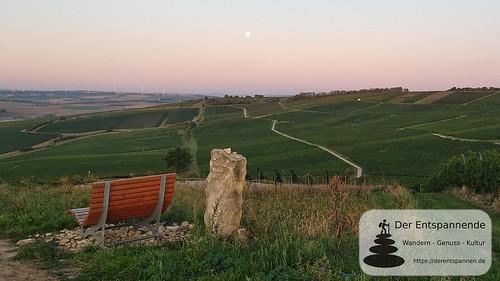 Selzstellung - Blick nach Osten und zum Mond