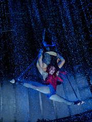 Flic Flac - Punxxx 2019 (I) (Elenovela) Tags: circus zirkus flicflac punxxx artists artisten availablelight action performance acrobats akrobaten portrait porträt olympusomdem1markii leicadgnocticron425mmf12