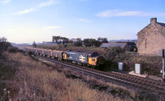 Buston Barns 37051 down dolofines  24th Oct 87 C9170 (DavidWF2009) Tags: bustonbarns northumberland ecml class37