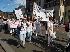Zorgprotest op de Dam (Bobtom Foto) Tags: cao zorgprotest big2 witte woede zorg demonstratie dam museumplein politie ziekenzorg ziekenhuis zorgsector
