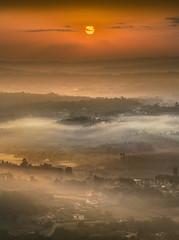 Reis, Vilariño e Teo (Noel F.) Tags: reis vilariño teo galiza galicia neboa fog mist mencer sunrise sony a7riii a7r iii fe 100400 gm