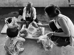 (vdareau) Tags: photographiederue streetphotography blackandwhitephotography photographienoiretblanc blackandwhite noiretblanc market kiensvay fruitseller seller fruit cambodia cambodge asiedusudest southeastasia asie asia