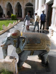 tamil nadu blue elephant (kexi) Tags: tamilnadu india asia sculpture vertical blue elephant museum people samsung wb690 february 2017 three men working instantfave
