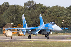 Flanker (Rob Schleiffert) Tags: kleinebrogel sanicoleairshow sukhoi su27 flanker ukrainianairforce