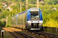 AGC SNCF TER Occitanie (Cyril Ribault) Tags: occitanie france pentax kr tamron voyageur wagon loco locomotive tamronaf18200mmf3563xrdiiildasphericalif rame électrique caténaire poteau rail voieferrée ballast lot ter z27500 automotrice bleu 27541 train agc bombrdier pont