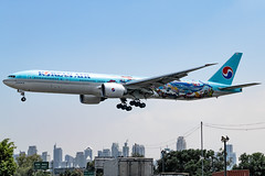 Korean Air - Boeing 777-3B5(ER) / HL8274 @ Manila (Miguel Cenon) Tags: ke ke777 ke77w korean koreanair777 koreanair77w boeing b777 boeing777 b77w boeing77w 777 77w ge90 manila airplanespotting airplane appgroup apegroup airport philippines planespotting ppsg naia nikon d3300 sky aircraft rpll wings widebody widebodyjet wing aviation window wheel wide plane hl8274 speciallivery