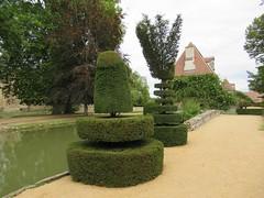Jardin du château d'Ainay le Viel