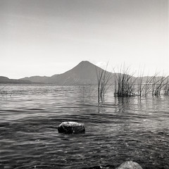 (Cédric Z) Tags: guatemala cental america hasselblad bw medium format film volcano landscape lago atitlan panajachel