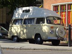1974 Volkswagen Camper Van (Neil's classics) Tags: 1974 volkswagen camper van vw camping motorhome autosleeper motorcaravan rv caravanette kombi mobilehome dormobile