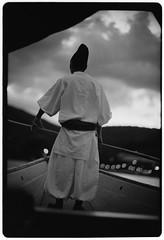 boatman (Hiroyuki Okamoto) Tags: leica blackandwhite film monochrome japan analog 50mm kyoto kodak trix hc110 rangefinder f1 400 京都 noctilux 135 嵐山 m2 selfdeveloped homedeveloped 桂川 selfdeveloping fishing cormorant 鵜飼