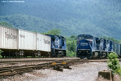 CR6136-6189_LewistownPA_0694 (mswphoto44) Tags: conrail road railer triple crown ge c408w lewistown pa train railroad locomotive diesel