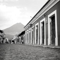 (Cédric Z) Tags: guatemala cental america hasselblad bw medium format film volcano antigua