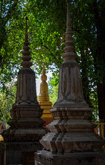 Wat Bo - Buddhist Temple (grab a pic) Tags: canoneos5dmarkiv canon eos 5d siemreap cambodia 2019 watbo buddhisttemple pagoda outdoor outside building architecture stupa