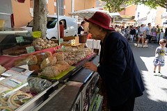 DSCF6922 (sacoped) Tags: ft2 france provence laragnemontéglin marché fuji p2019