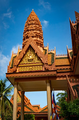 Wat Bo - Buddhist Temple (grab a pic) Tags: canoneos5dmarkiv canon eos 5d siemreap cambodia 2019 watbo buddhisttemple pagoda outdoor outside building architecture