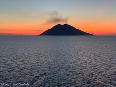 Stromboli v2 (Per@vicbcca) Tags: stromboli iphonexsmax apple koningsdam cruise volcano hollandamerica sunset smoke travel