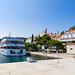 Kleines Kreuzfahrtschiff in Pomena auf Mljet, Kroatien