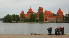 Where is the perfect POV? (buidl-lemmy) Tags: lithuania litauen trakai castle schloss bricks lake water wasser
