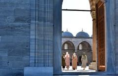 Turkey- Istambul- Balat- Sultan Selim Mosque (venturidonatella) Tags: istambul turchia turkey balat mosque moschea sultanselim sultanselimmosque moscheadelsultanoselim sultan sultano islam musulmani gentes gente persone people fedeli faithfuls colori colors nikon nikond500 d500