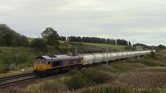 66736 on the diverted 6S45 North Blyth - Fort William Alcan tanks (Stewart Atkinson Photography) Tags: class66 gbrf photography photograph freight freighttrain wcml railway railwayphotography railways rail train traction trainphotography trains ukrailway uk ukrailways ukphotogtaphy uktrains ukrailwayphotography locomotive scotland scottishrailway scottishrailways southlanarkshire diesel diesellocomotive gbrailfreight 6s45