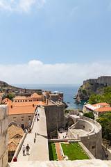 Stadtmauer und Pile Gate in der Altstadt von Dubrovnik, Kroatien