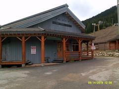 DSCF0298 (squarebobspongepants) Tags: apex mt gunbarrel saloon
