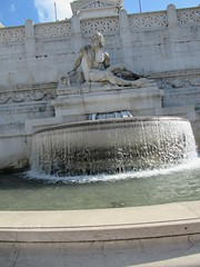 Rome City In Italy (05-09-19) (Shaz Vincent Photography) Tags: rome italy romecity fountain fountains ancient roman romanarchitechture