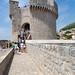 Eingang zur Festung Minceta in der Altstadt von Dubrovnik, Kroatien