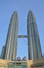 Petronas Towers (hamid-golpesar) Tags: petronastowers tower malaysia kualalumpur building landscape twintowers twin sky owaysee outdoor tabriz travel iran hamid hamidgolpesar hamidowaysee