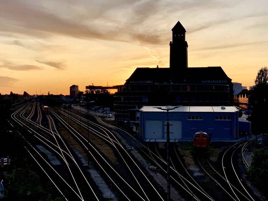 The World S Best Photos Of Iphone And Railways Flickr Hive