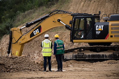 Duo CAT 352F & 772G (Xnoszam) Tags: cat caterpillar machine carrière 352f pelle excavator ripper