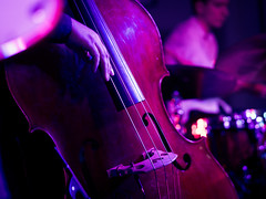 Trallskogen (designladen.com) Tags: konzert concert live p9132592 olympusem1markii olympus olympusm45mmf12 45mm