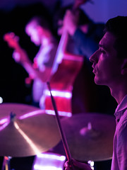Trallskogen (designladen.com) Tags: konzert concert live p9132672 olympusem1markii olympus olympusm45mmf12 45mm